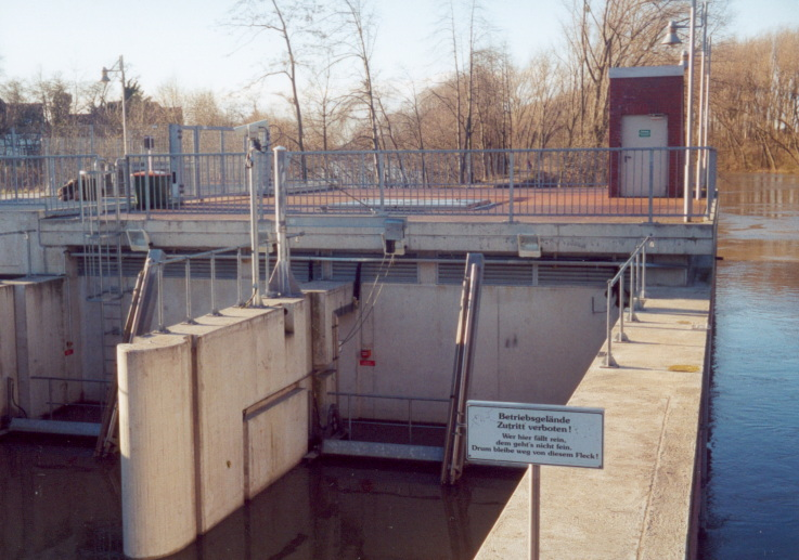 Einlauf zu den zwei Rohturbinen